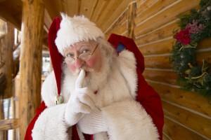 Le Père Noël accusé de surveiller illégalement des millions d'enfants