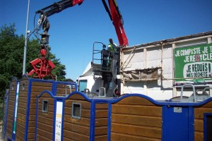 Insolite : un homme a vécu 7 ans dans une benne à ordures