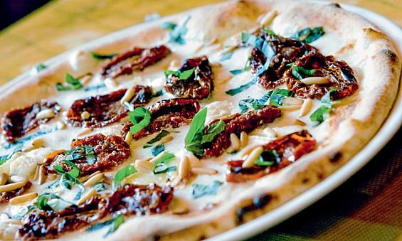 """La """"Royal Pizza"""" de Dubaï, la pizza la plus chère au monde"""