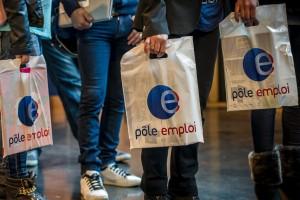 Des MacBook Pro distribués dès septembre aux chômeurs de longue durée