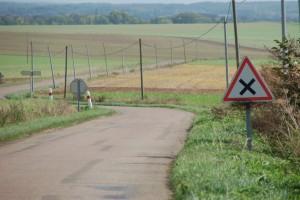 Sécurité routière : bientôt l'obligation de klaxonner aux intersections ?