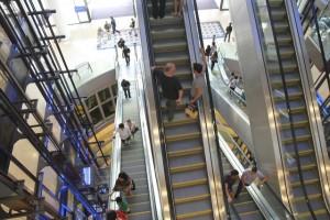 Anniversaire qui tourne à l'horreur : 3 jours bloqués sur un escalator à Marseille