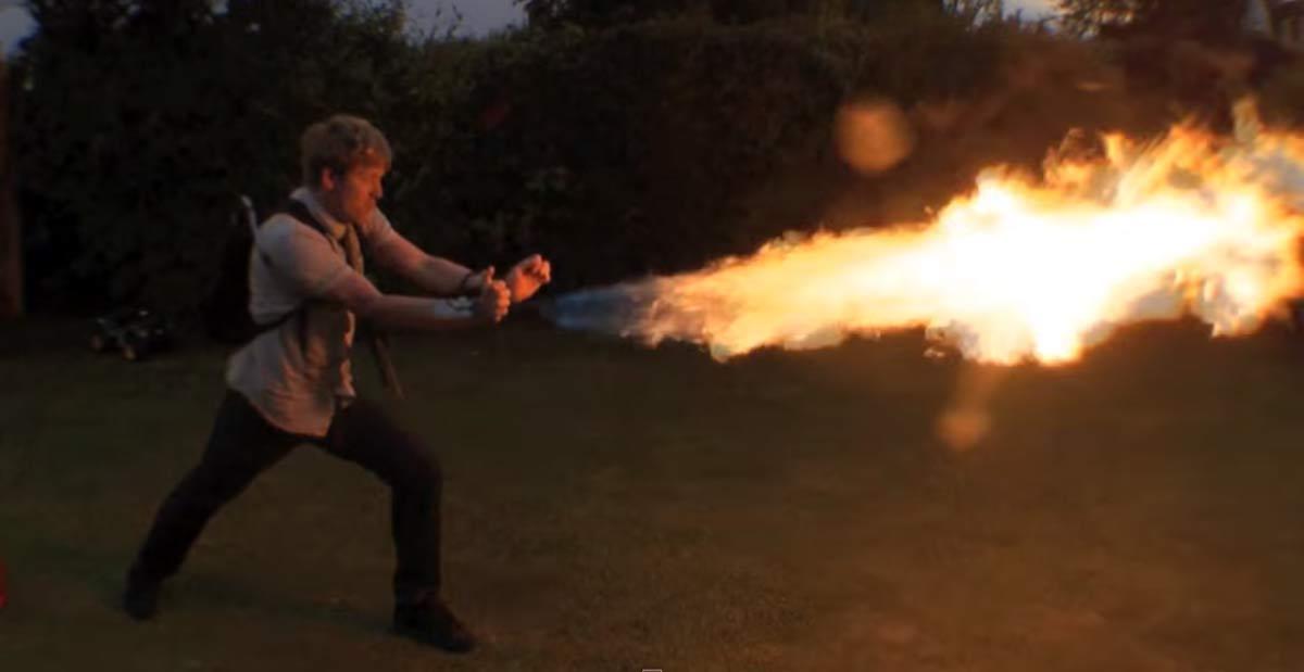 lance-flammes-00