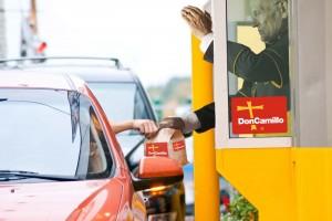 Nouveau : l'Eglise Catholique ouvre son premier Drive-in pour communier rapidement