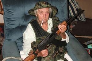 Avec un fusil d'assaut, une grand-mère sauve des policiers pris à partie dans une cité Marseillaise