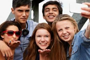 Etude : selon l'INSEE, plus de 99% des ados Français ont moins de 18 ans