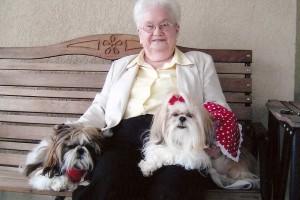 Santé : au 1er juillet 2016, les personnes âgées auront l'interdiction de posséder un chien