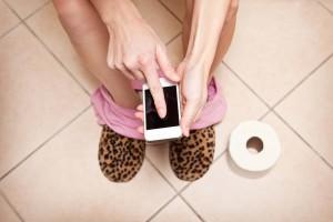 Scandale iPhone : 2 dents de cassées pour avoir pris son smartphone aux WC