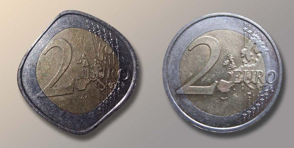 Pièce de 2 euros au soleil fabriquée en Chine (à gauche) VS Pièce de 2 euros au soleil fabriquée en France (à droite)