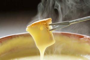 La Suisse demande une interdiction Internationale pour la vente de fondues et raclettes en été