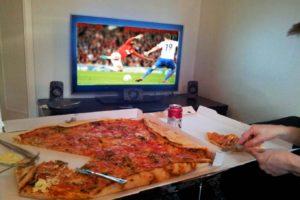 Sport : regarder les matchs de l'Euro devant sa télé serait bon pour la santé