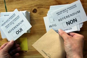 Sous pression, le gouvernement annonce enfin un référendum ! Et vous, que souhaitez-vous voter ? (Sondage)
