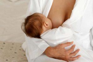 Allaitement : une taxe sur le lait maternel