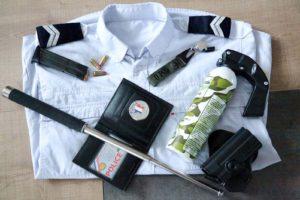 Nicolas Sarkozy promet de nouveaux uniformes aux policiers en civil, s'il est à nouveau élu président