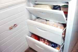 Réchauffement climatique : le gouvernement recommande de laisser ouvert les réfrigérateurs et congélateurs