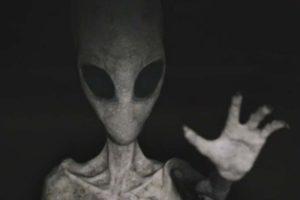 Mystère : elle prétend être enceinte d'un extraterrestre