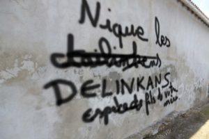 Grogne : le policier-tagueur condamné à 1 an ferme de… cours de calligraphie