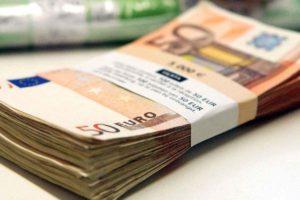 Attention, le nouveau billet de 50 euros est déjà contrefait : ce qu'il faut savoir pour ne pas se faire arnaquer